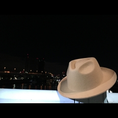 hatinthenight